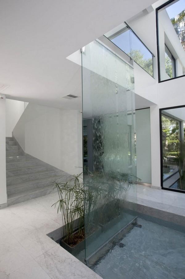 bassin interieur maison. Black Bedroom Furniture Sets. Home Design Ideas