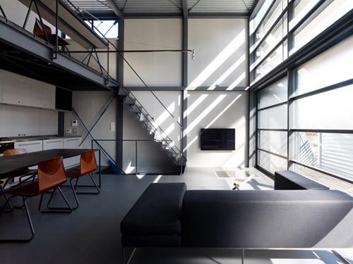 decoration hangar industriel. Black Bedroom Furniture Sets. Home Design Ideas