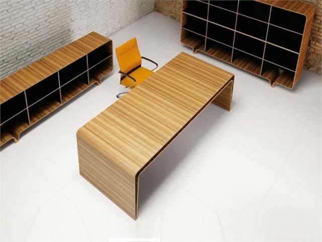 Bureau design et minimaliste en bois