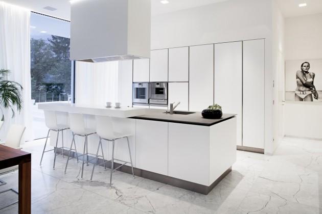 Cuisine blanche moderne for Maison contemporaine blanche