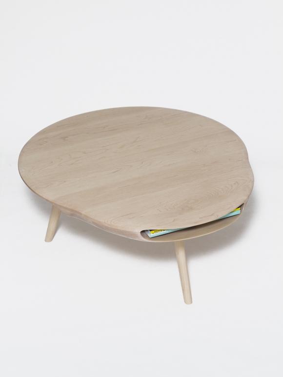 Table en bois tokyo de lo c bard for Table design japon