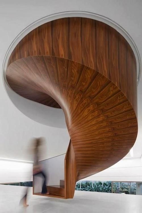 Escalier moderne bois 03 for Deco pour escalier bois
