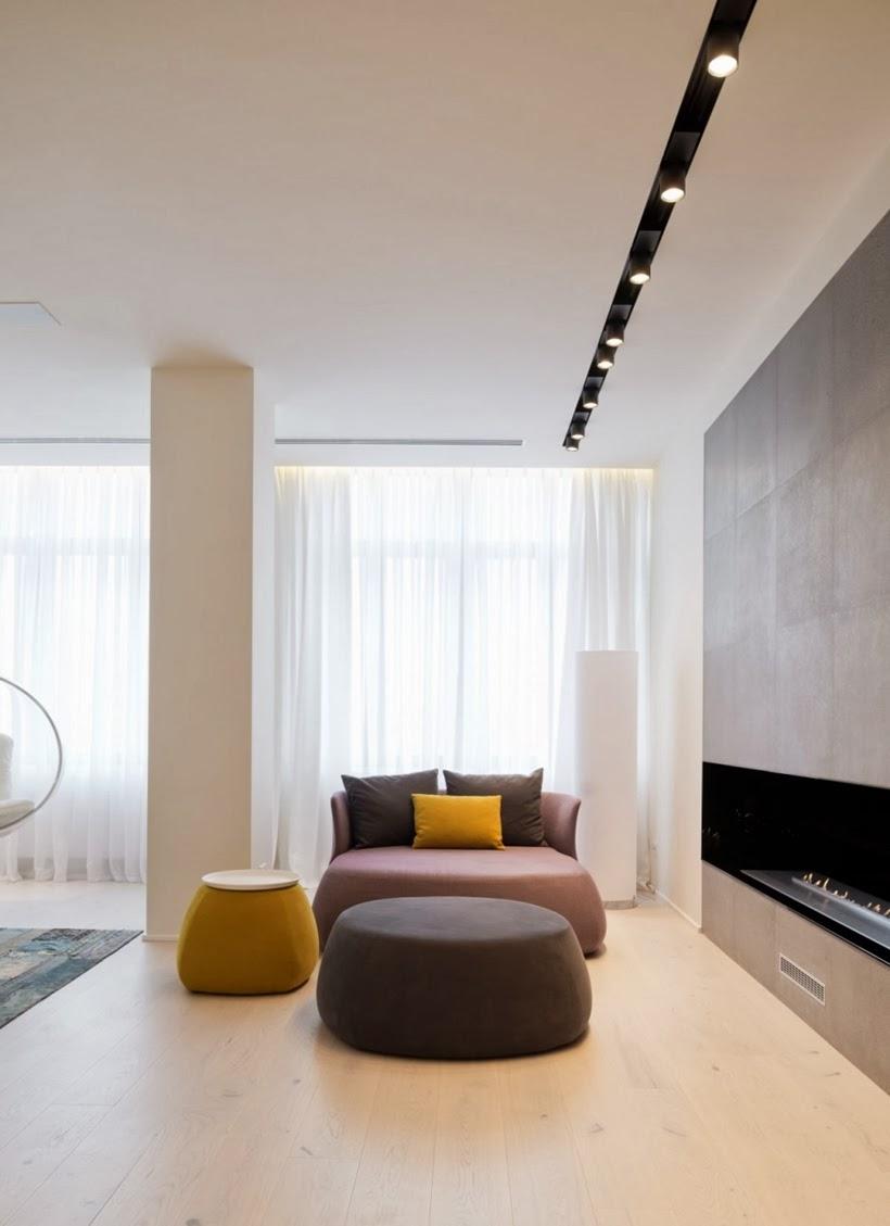 Design int rieur minimaliste d 39 un appartement moscou for Design interieur appartement