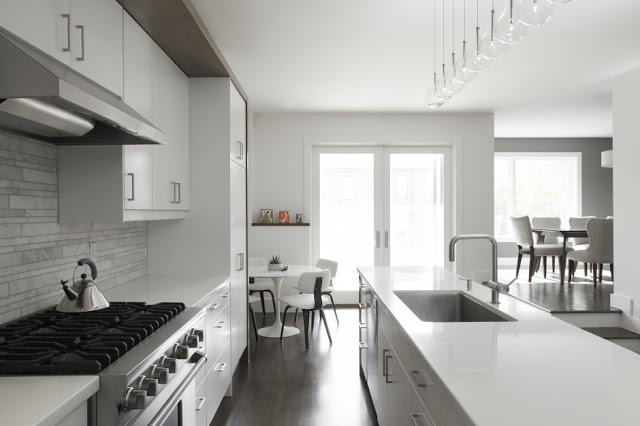 Petite maison moderne avec des int rieurs minimalistes - Photo d interieur de maison design ...