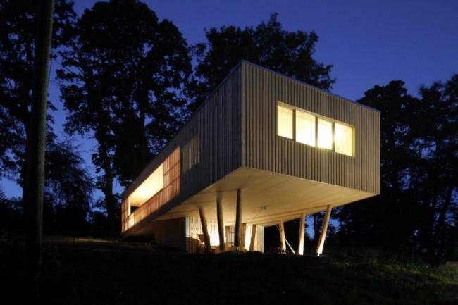 maison en bois sur pilotis. Black Bedroom Furniture Sets. Home Design Ideas