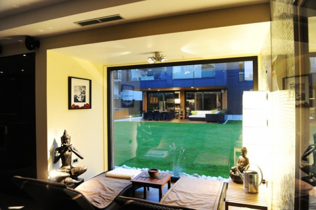 baie vitree carre noire. Black Bedroom Furniture Sets. Home Design Ideas