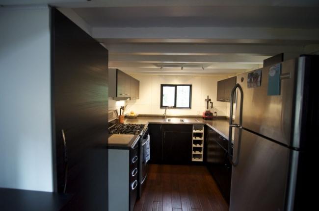 Petite maison roulante bois 08 for Petite maison bois design