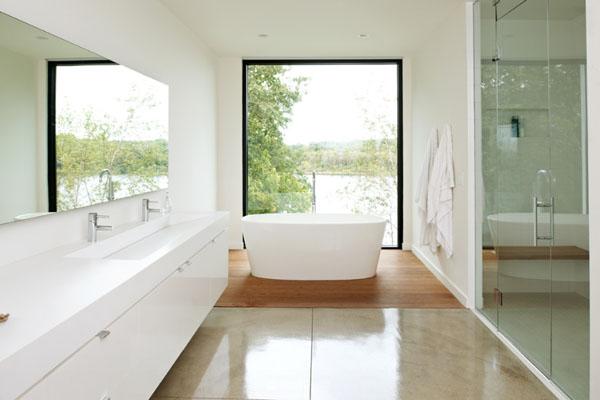 Salle de bain blanche for Decorer une salle de bain blanche