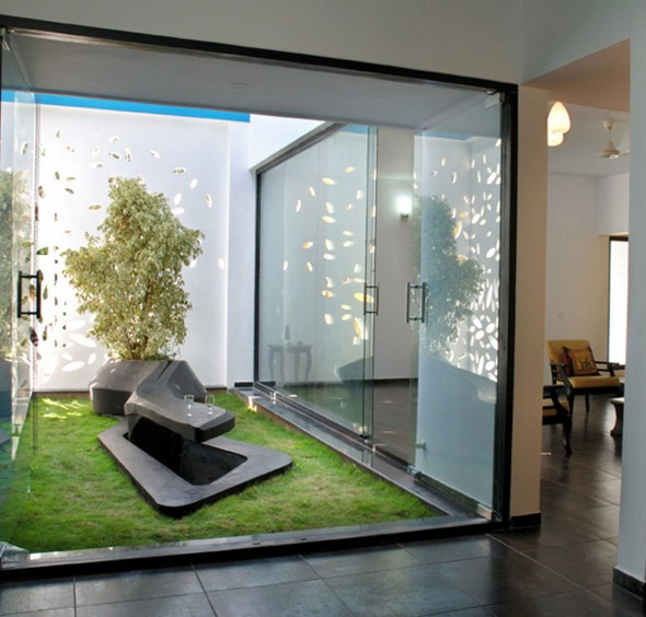 Jardin interieur maison 12 for Maison design interieur