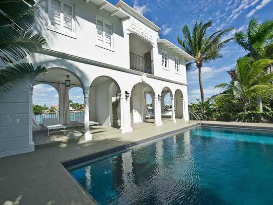 la maison d 39 al capone vendre miami beach. Black Bedroom Furniture Sets. Home Design Ideas
