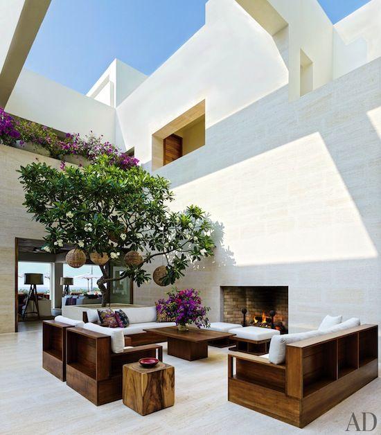 id es pour cr er une cour interieure contemporaine. Black Bedroom Furniture Sets. Home Design Ideas