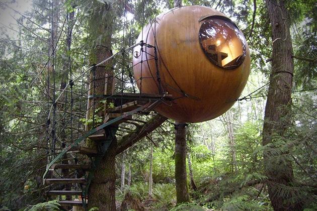hotel-Free-Spirit-Spheres-Canada