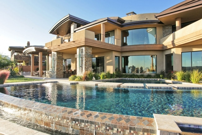 Grosse maison avec piscine for Article piscine