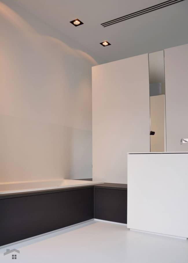 r novation d 39 un loft avec une d coration design et pur e. Black Bedroom Furniture Sets. Home Design Ideas
