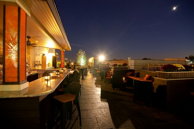 Rooftop-Pine-Bar-and-Grill-newyork