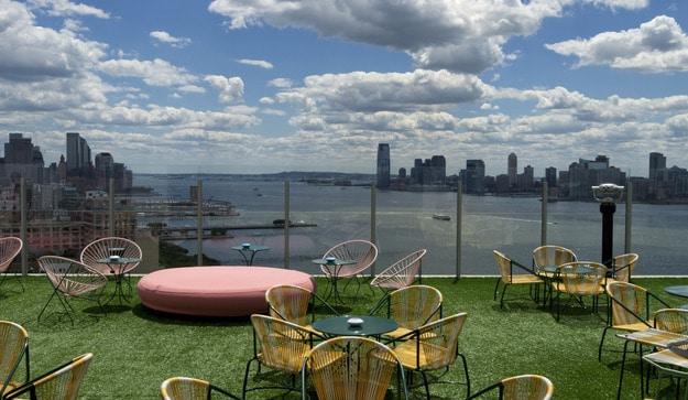 rooftop-newyork-Le-Bain