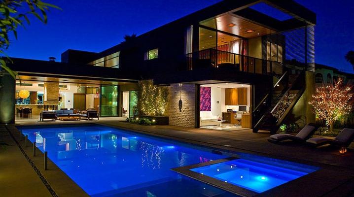 Maison contemporaine deux tages avec piscine for Maison moderne piscine