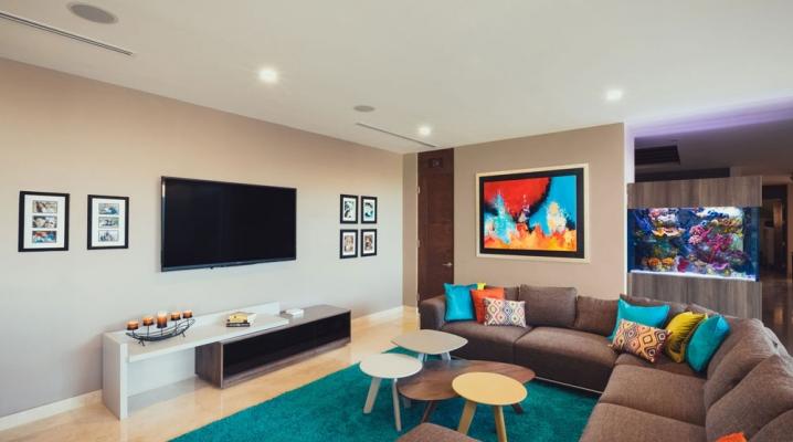 maison contemporaine avec un int rieur color. Black Bedroom Furniture Sets. Home Design Ideas