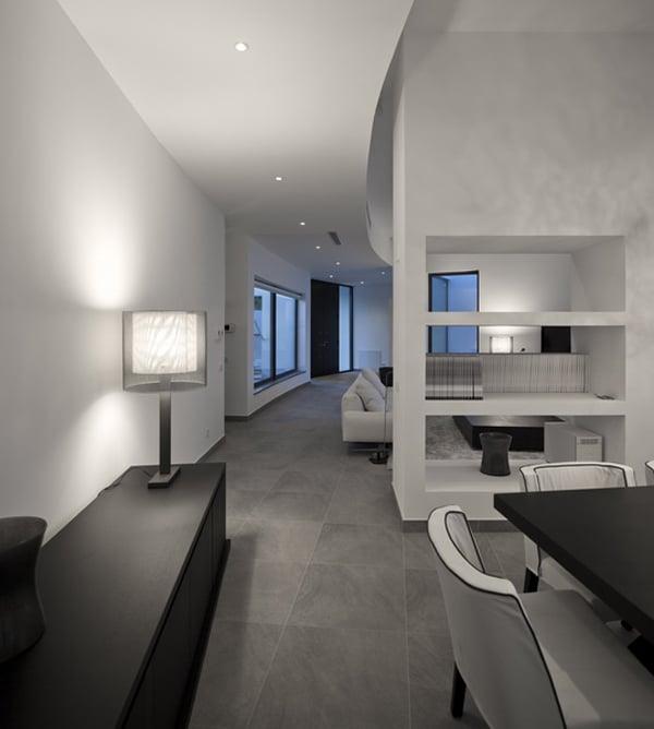 A Home That S Modern Inside And Out: Maison Contemporaine Avec Un Toit Incurvé