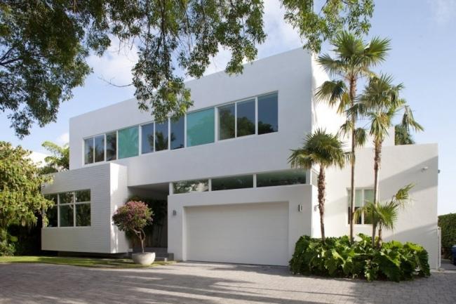 Maison contemporaine avec une fa ade blanche for Maison contemporaine blanche