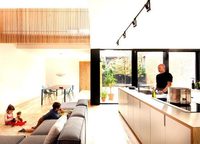 cuisine donnant sur grande baie vitree