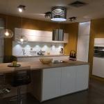 Cuisine-mobalpa-Facades-Blanches-Plan-Travail-bois