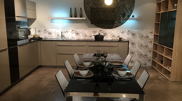 Cuisine-mobalpa-contemporaine-noir-blanche