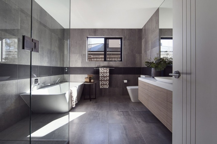 salle de bain avec carrelage gris anthracite. Black Bedroom Furniture Sets. Home Design Ideas