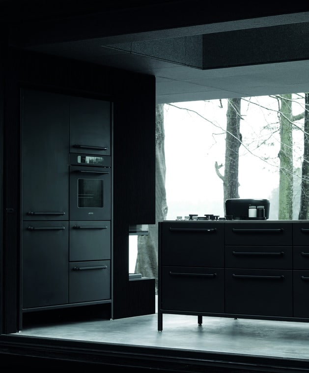 cuisine equip e noir. Black Bedroom Furniture Sets. Home Design Ideas