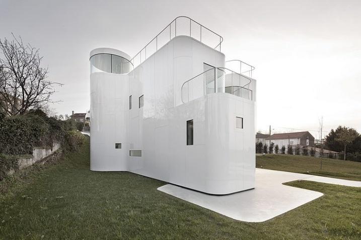 maison futuriste blanche de dosis architecture. Black Bedroom Furniture Sets. Home Design Ideas