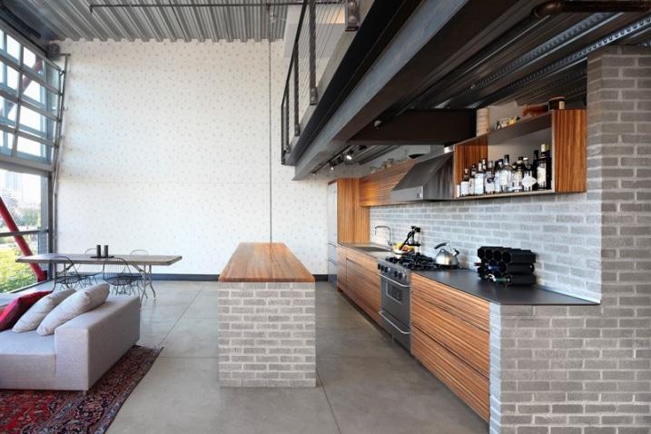 Cuisine avec paroi en briques for Paroi vitree industrielle