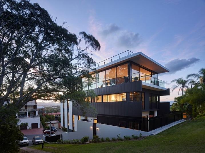 Maison contemporaine sur un terrain en pente - La maison wicklow hills par odos architects ...