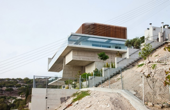 Maison contemporaine sur 3 niveaux avec garage sur le toit - Maison car park los angeles anonymous architects ...