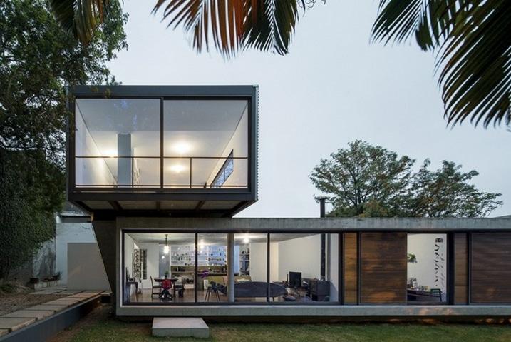 maison contemporaine en porte faux. Black Bedroom Furniture Sets. Home Design Ideas