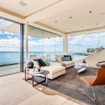 Salon avec vue sur la mer