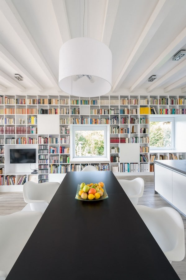 cr er un mur biblioth que design. Black Bedroom Furniture Sets. Home Design Ideas