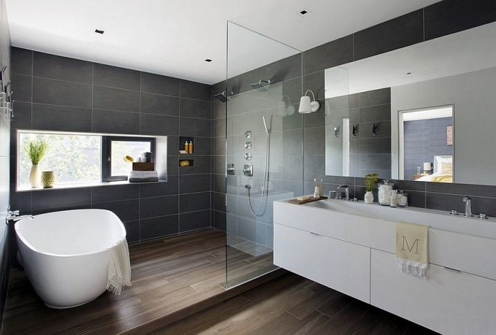 Salle de bain avec carrelage imitation parquet for Photo de loft renover