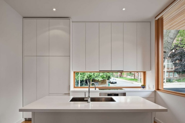 petite cuisine blanche laqu e. Black Bedroom Furniture Sets. Home Design Ideas