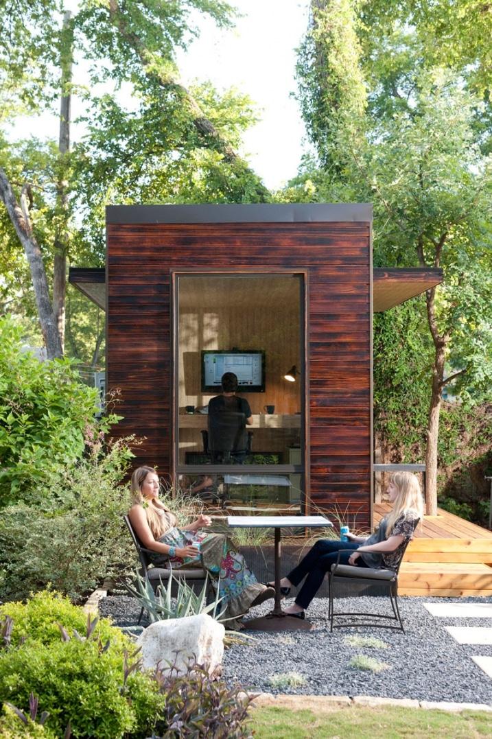 installer un bureau de jardin en bois pour travailler. Black Bedroom Furniture Sets. Home Design Ideas