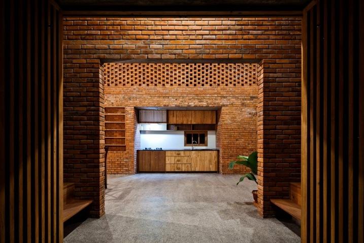 Cuisine en bois et en briques