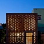 Maison cube en briques rouges