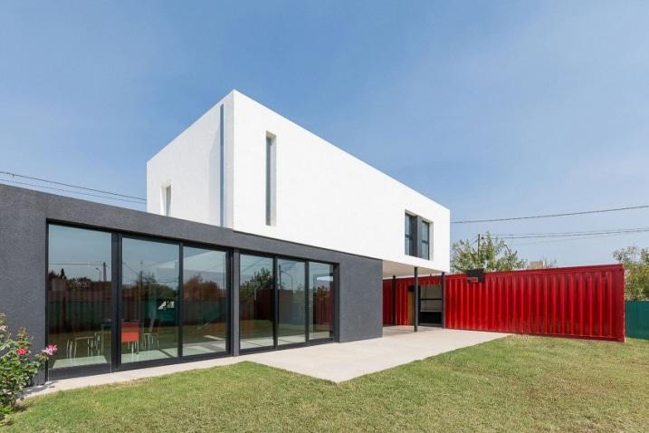 Construire sa maison avec des containers maritimes for Ajouter un tage sa maison
