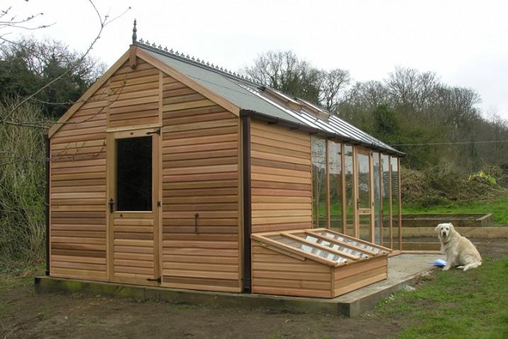 Maison serre bois et verre