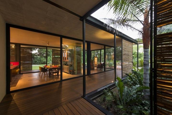 Maison plain pied contemporaine avec grandes baies vitrées