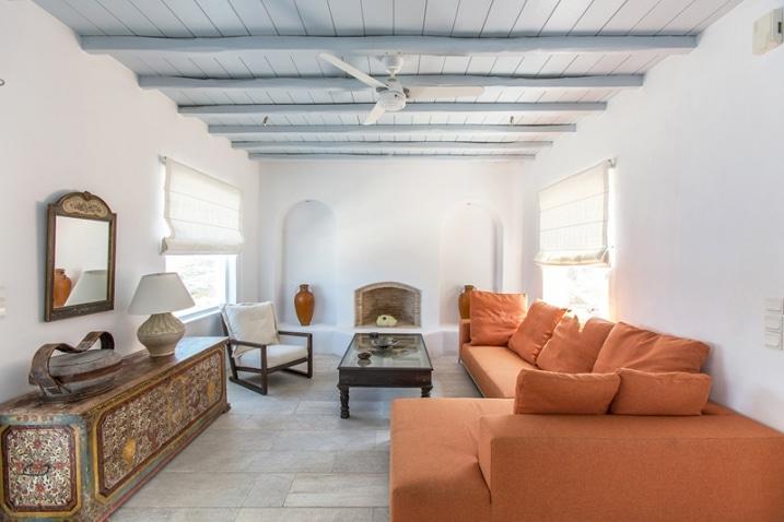 int rieur d 39 une maison en gr ce. Black Bedroom Furniture Sets. Home Design Ideas