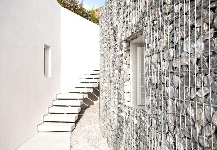 Mur de pierre en gabion