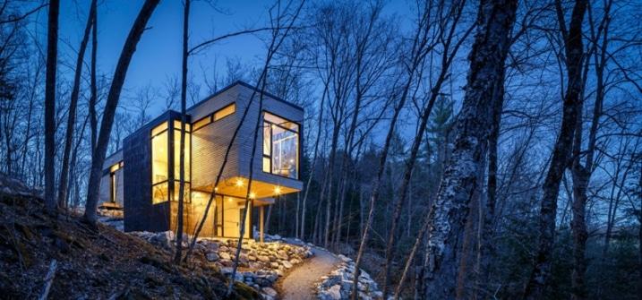Chalet contemporain en bois nich dans la for t canadienne for Chalet bois contemporain