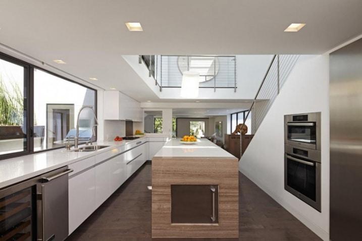 13 exemples de cuisines blanches contemporaines - Petit plan de travail ...