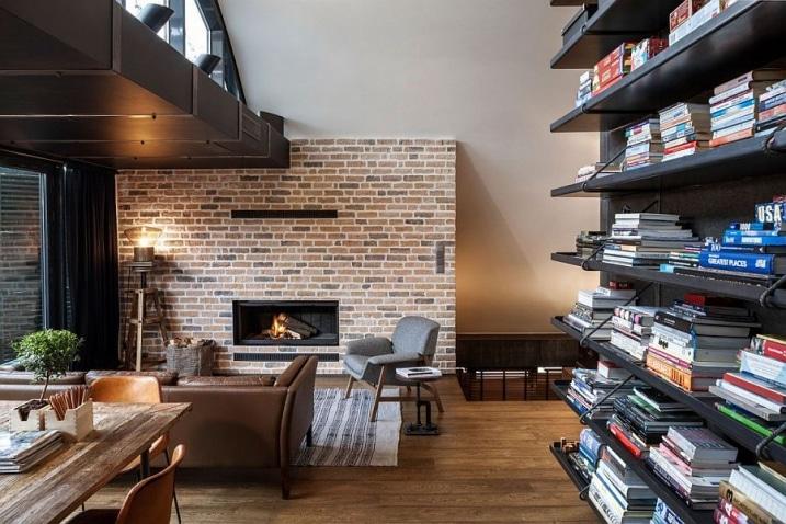 Loft avec mur de briques