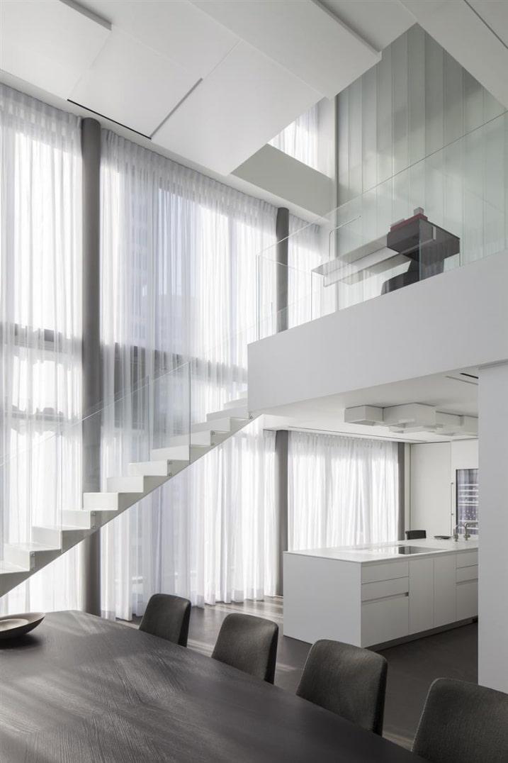Bureau dans mezzanine